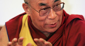 The Dalai Lama giving a talk, pic by Bruce Bortin