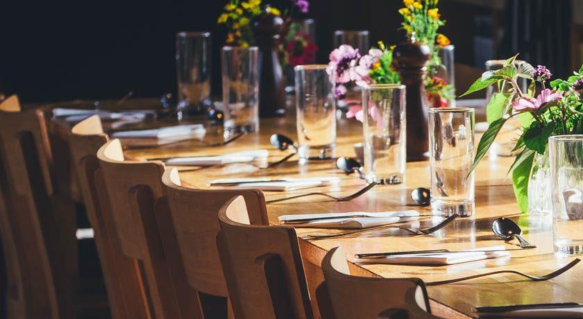 Dinner Table - by annie-spratt-